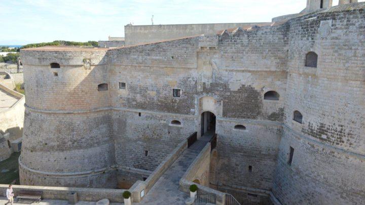 Otranto, il Castello e il sistema fortificato del centro antico