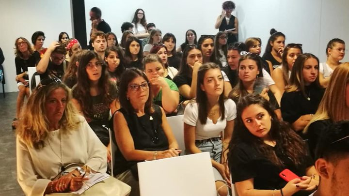 Migrazioni, giovani e futuro dell'Italia. In diretta con studenti ed insegnanti